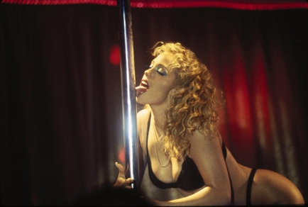 showgirls-pole-licking-scene
